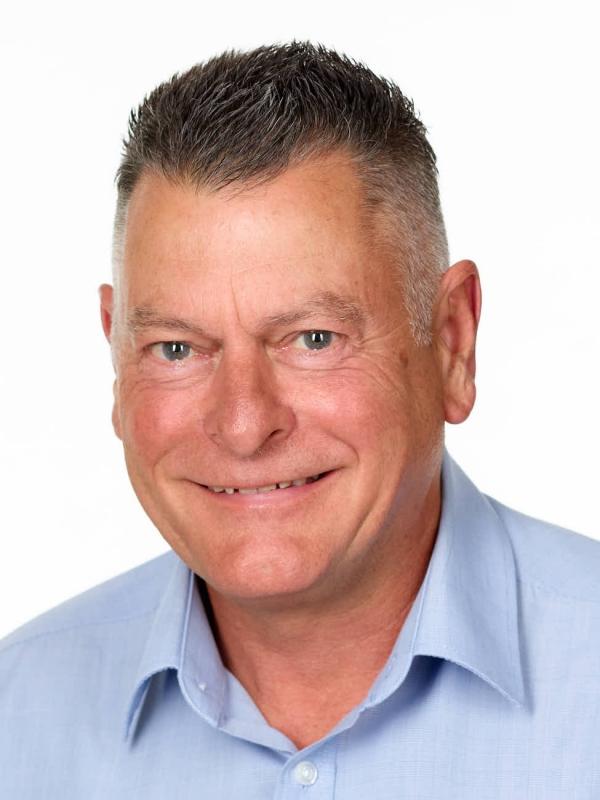 James Pyne Photography-Melbourne-Frankston-Somerville-Mornington Peninsula-Portrait-Headshot-Linkedin-Photographer